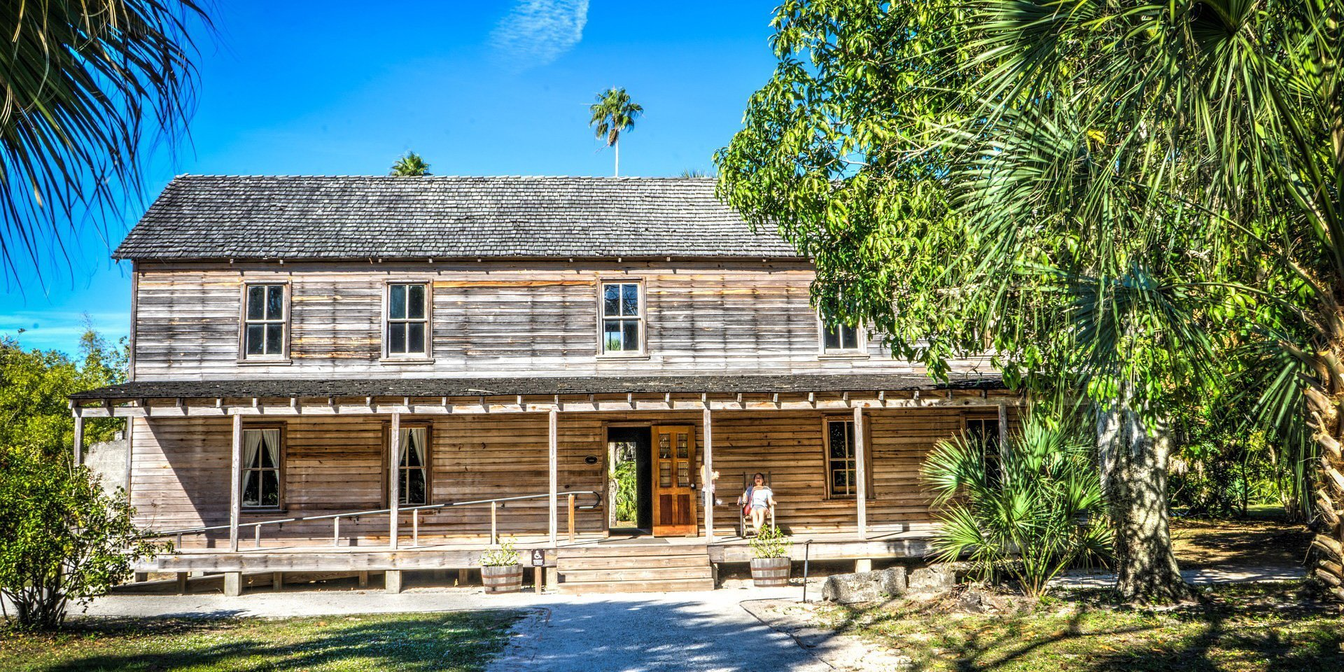 Estero florida is a beautiful place to build your new home located between fort myers and bonita springs estero is a mix of old and new world charm and